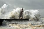 席卷大地的海啸